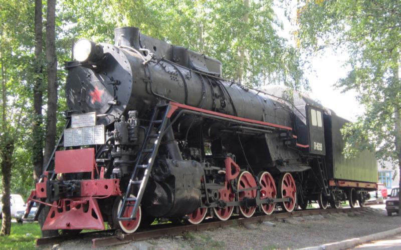 Паровоз-памятник Л-1699